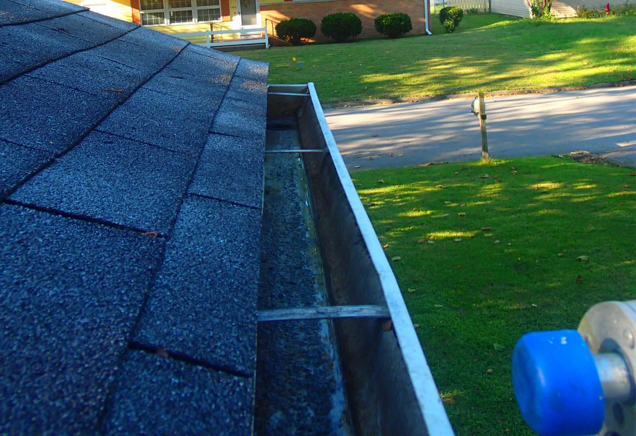 Gutter cleaning Illinois